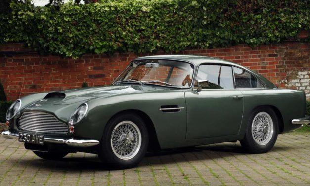Aston Martin DB4 GT és Range Rover Classic – Remake
