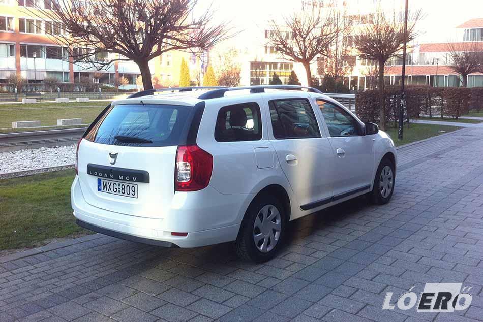 A csomagtartó továbbra is hatalmas a Dacia Logan MCV 1.5 dCi esetében, bár már nem szekrényajtóként nyílik a hátsó ajtaja.