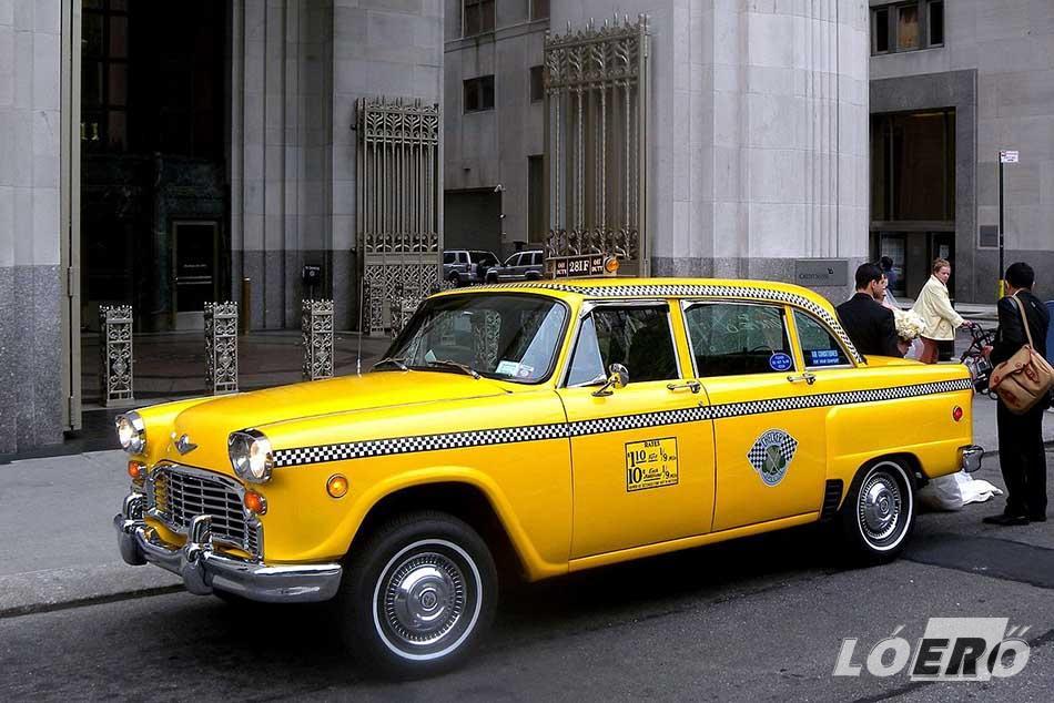 Az igazi amerikai sárga taxi nagyon sokáig egyet jelentett a Checker cég járműveivel.