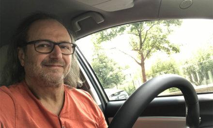 Lengyelfi Miklós – Mezei nyulak futkostak az autónk körül