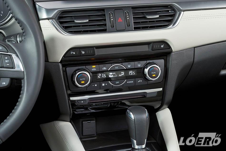 Ritkaság az autóiparban, hogy belül többet változik a modell a frissítés során, mint kívül – a Mazda 6 kombi 2016-ban ezen kivételek egyike volt.