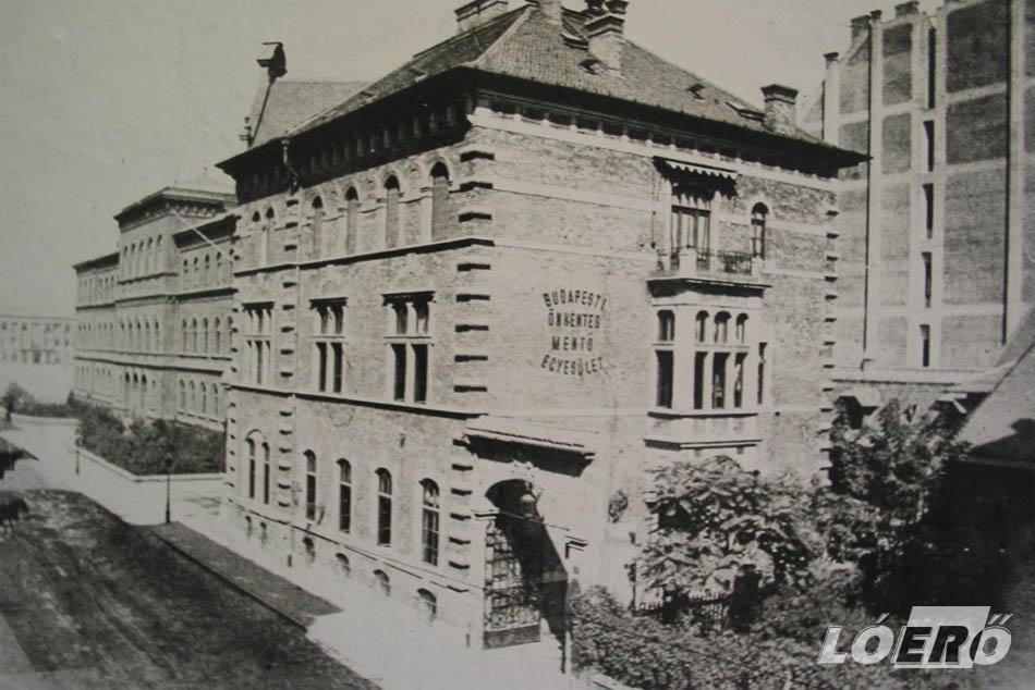 A Mentőpalota épülete 1890-ből.
