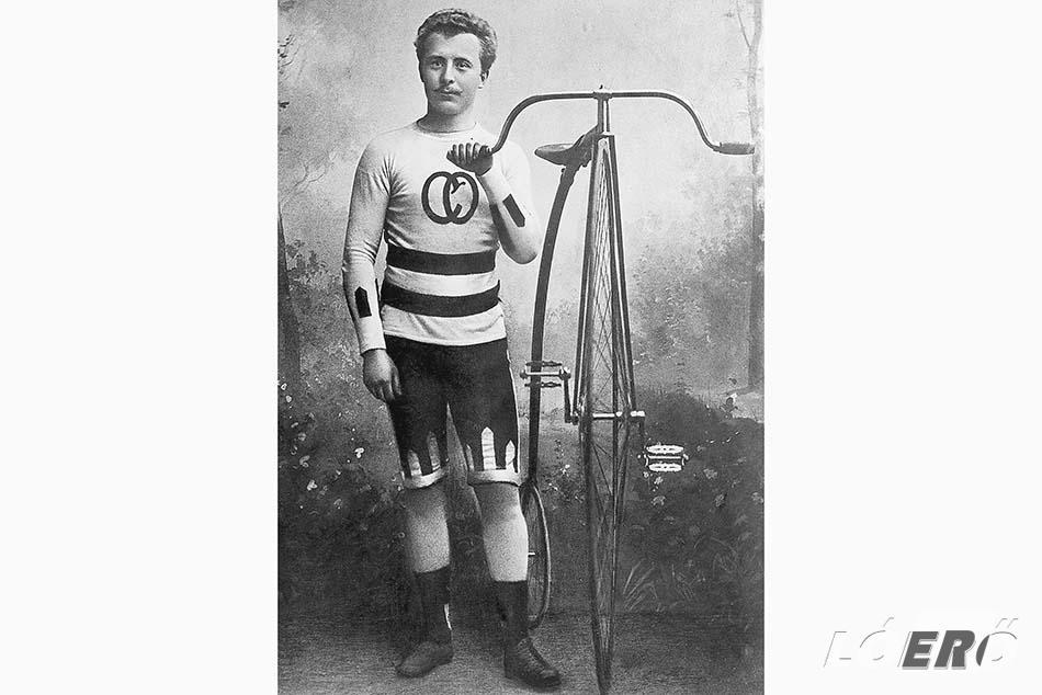 Az 1920-as évekig rendszeresen szerződtették le a világ legjobb versenyzőit, akik sorban szállították valamilyen Opel kerékpár nyergében ülve a győzelmeket.