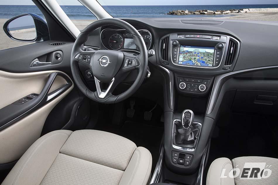 A komfort sokkal többé teszi már az Ople Zafira 2016 -os kiadást egy egyszerű családi autónál.