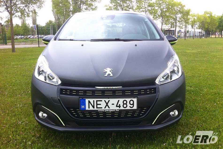 Igazából egy kisautóban bőven elég is annyi, mint amit a Peugeot 208 1.6 BlueHDi motorja ad nekünk.