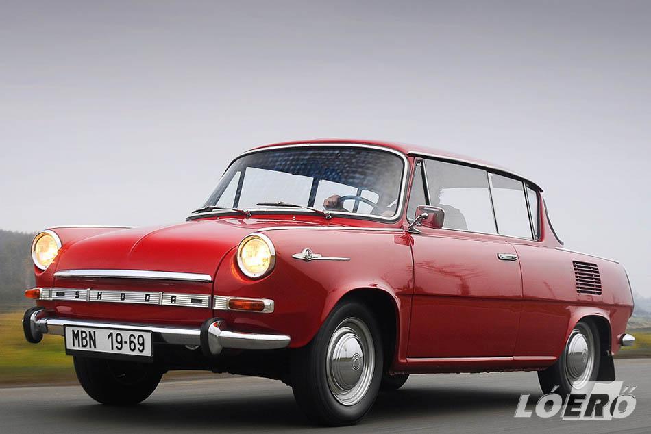 1966. március 10-én, a Genfi Autószalonon a cég bemutatta a Skoda 1000 MBX szériaváltozatát, ősszel pedig elkezdte a sorozatgyártását.