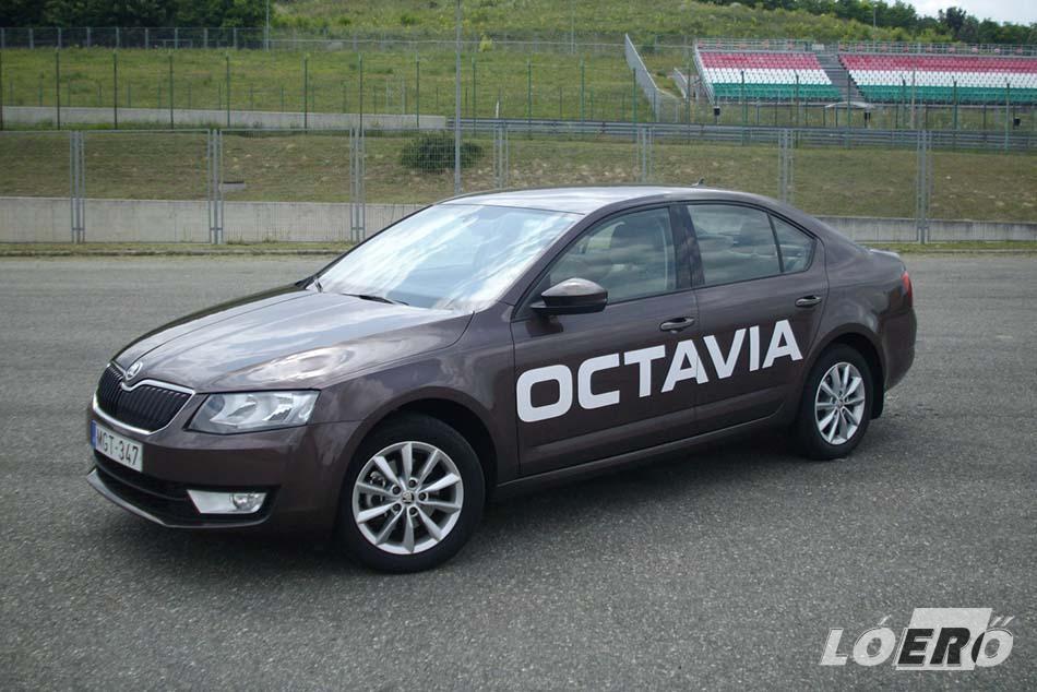 A Skoda Octavia formája németesen katonás, rendezett és szikár, nincs benne semmi lazaság. Kicsit olyan, mintha baltával faragták volna, de ettől még jól néz ki, és épp oly sikeres lehet, mint az elődjei.