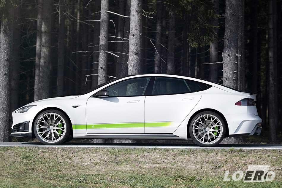 A Mansorytól szokatlan módon, a Tesla Model S tuning demo autójának külseje relatíve visszafogott.