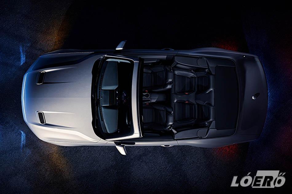 A Ford Mustang GT kínálatában három új fényezés jelent meg, nem beszélve a 12 különféle keréktárcsáról és a személyre szabható digitális műszeregységről.