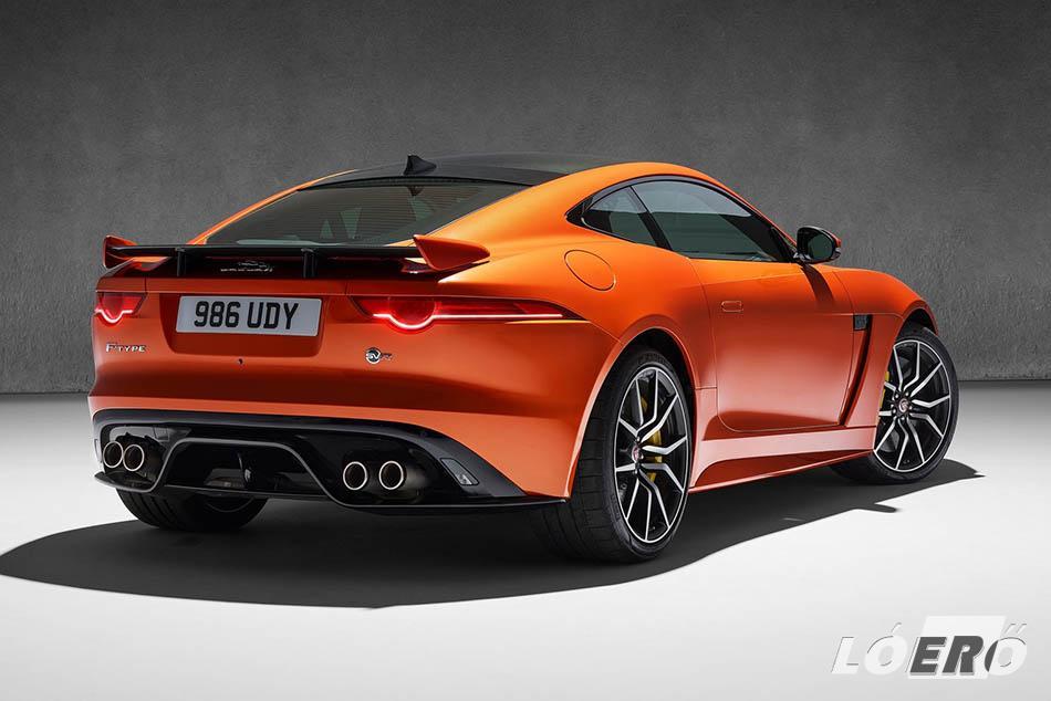 A Jaguar F Type SVR egyik legfontosabb aerodinamikai eleme a mozgatható hátsó szárny, amely mindkét állásában jobb leszorítóerőt biztosít.