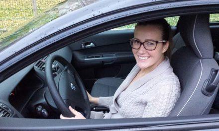 Janicsák Veca  – Forgatáson vezethettem egy Ford Mustangot