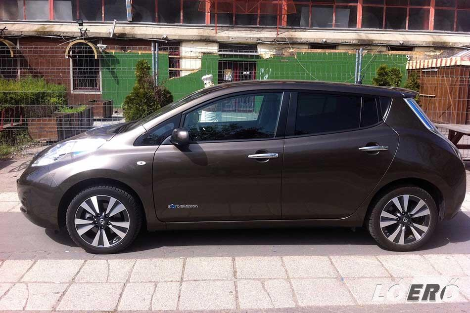 A Nissan Leaf az egyik legjobb ár-érték arányú és legpraktikusabb zéróemissziójú villanyautó a magyar piacon.