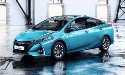 Toyota Prius Plug-in Hybrid 2017 – Zöld rendszám egy literes fogyasztással