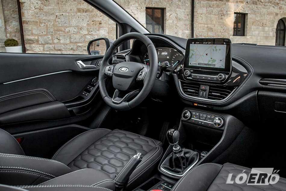 Az új Fiesta több ezer féle variációt kínál az autó színeinek és belső terének tervezésénél, gyakorlatilag dupláját az eddigi lehetőségeknek.