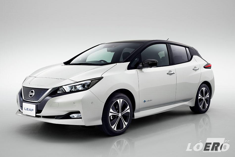 A Nissan Leaf 2018-ra nagyobb hatótávolságot, európaibb dizájnt és továbbfejlesztett vezetéstámogató technológiákat ígér számunkra.