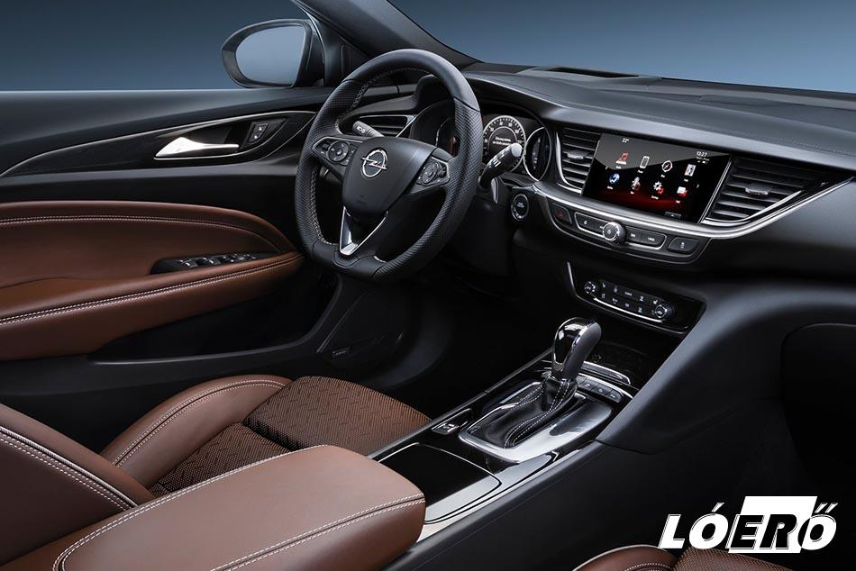 A belső felépítés szép és minőségi. Az olajhőfok és az akkutöltöttség mérésének szükségességét viszont nem sikerült megfejtenünk az Opel Insignia teszt ideje alatt.