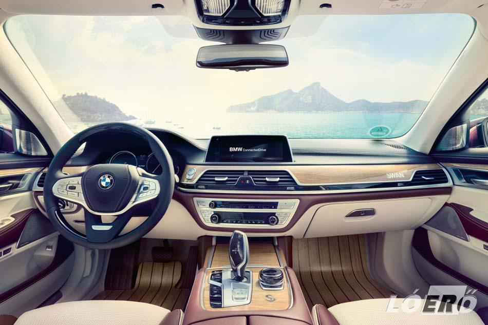 A BMW Individual az utastérben kettős színvilággal teremtett stílusosan elegáns, mégis otthonos hangulatot.