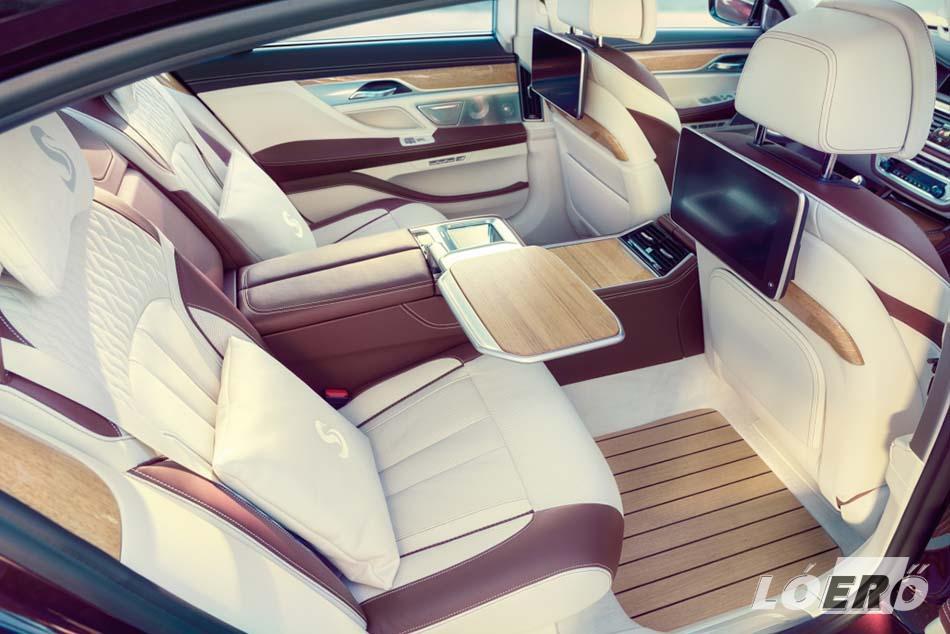 A BMW Individual tervei alapján a hátsó ülésekhez egy-egy S betűvel díszített kispárna is jár, persze a többi luxus mellett.