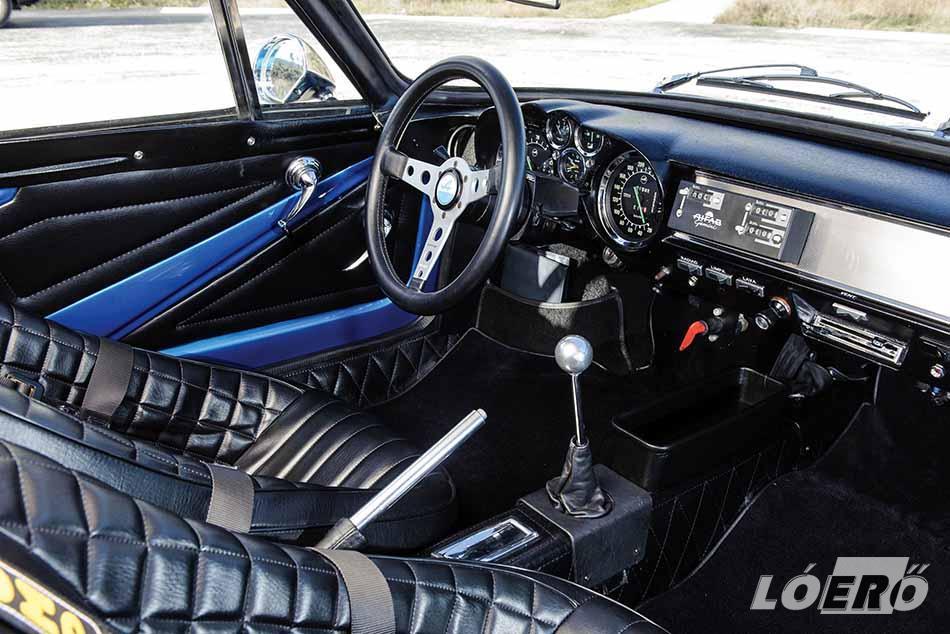 Jellemző az Alpine A110 képességeire, hogy 1973-ban a Monte Carlo Rallye dobogójának mindhárom fokára Alpine pilóták állhattak fel.