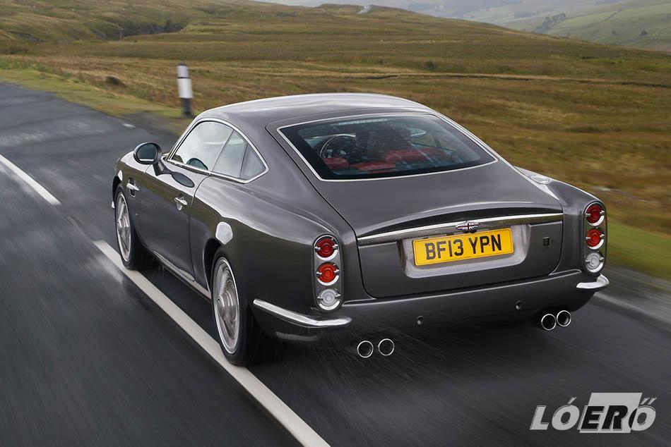 Az 5,0 literes, Jaguar-féle V8-as 510 lóerővel könnyedén mozgatja az üresen is 1800 kilós Speedback GT-t.