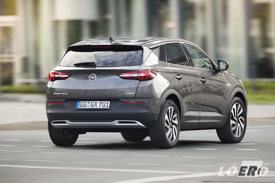 Az új Opel Grandland X már alapváltozatban is nagyon sokat ad nekünk.