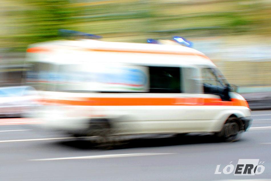 Egy mentőautóval való ütközés esetén sem lehet automatikusan kijelenteni, hogy a mentő vétlen lenne, de emberi kötelességünk is munkájukat segíteni.