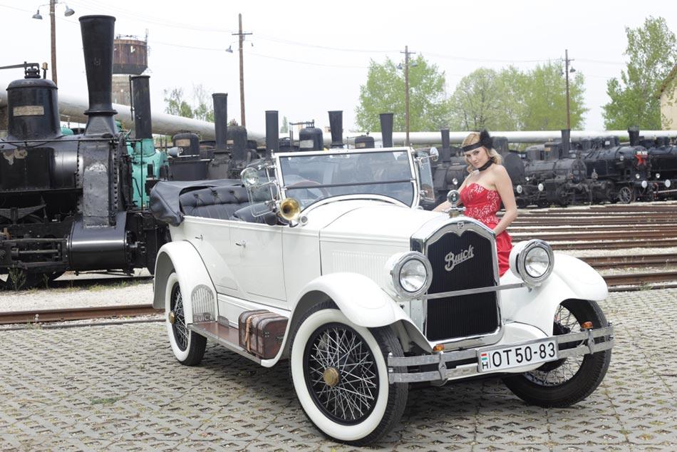 Idén is számos meglepetéssel vár Európa legnagyobb veteránjármű kiállítása, az Oldtimer Show.