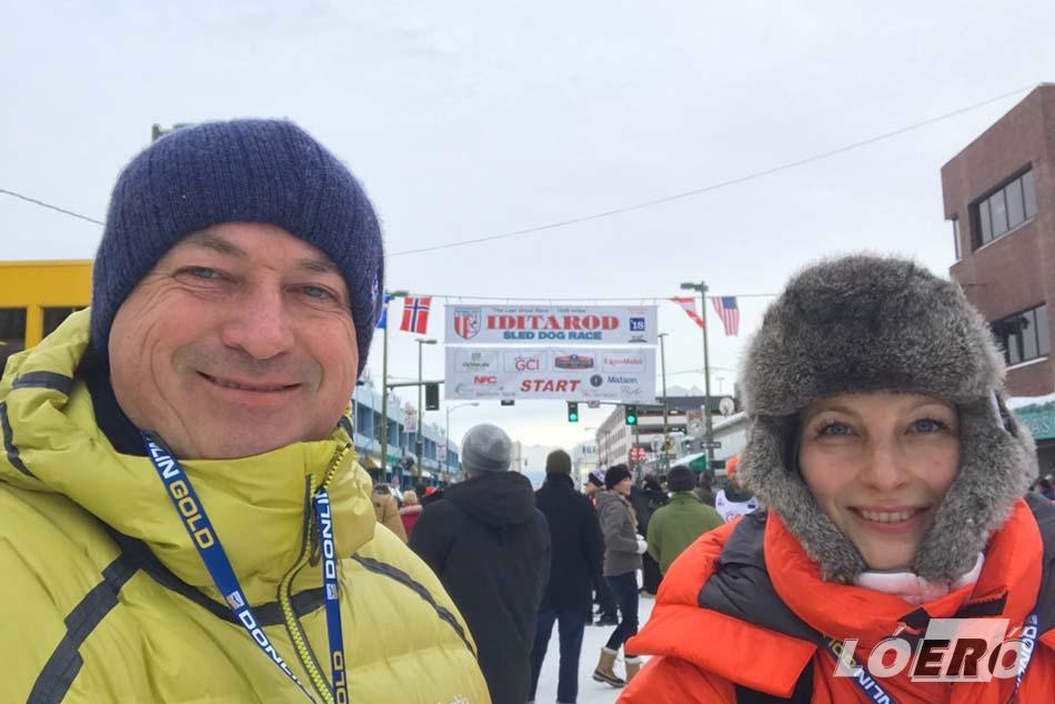Az alaszkai expedició. Várkonyi Andrea és Szalay Balázs az Idiatorod-on.