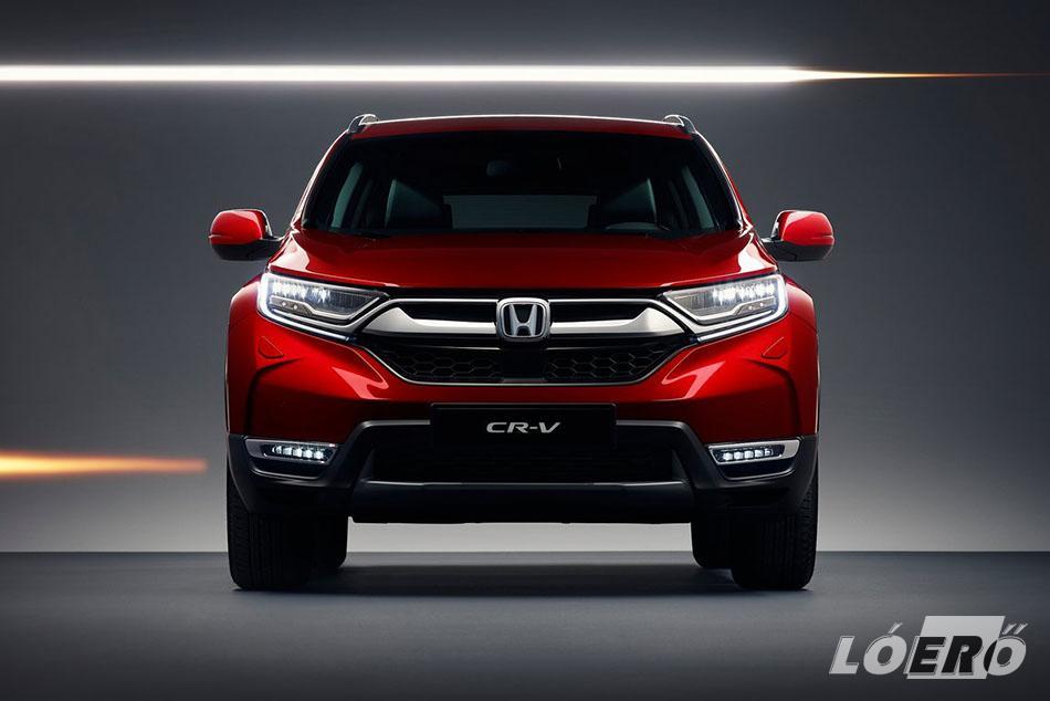 A Honda CR-V 2018-as generációja lesz az első olyan Európának szánt szabadidő-autó a márka történetében, amihez már hibrid hajtásláncot is kínálnak a japánok.