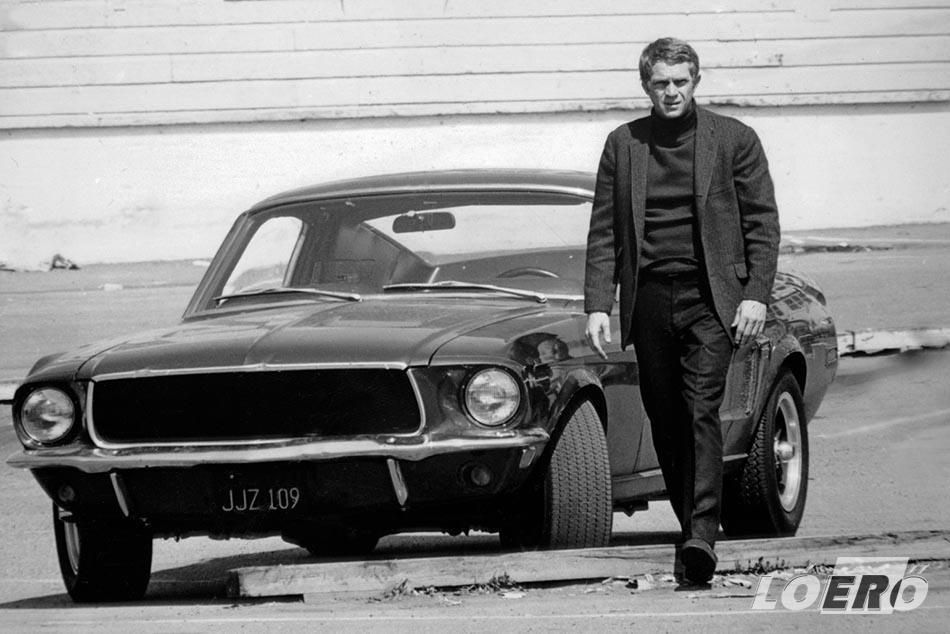 Steve McQueen és a ma már kultikus Ford Mustang GT Fastback 1968-ban a Bullit egyik jelenetében.