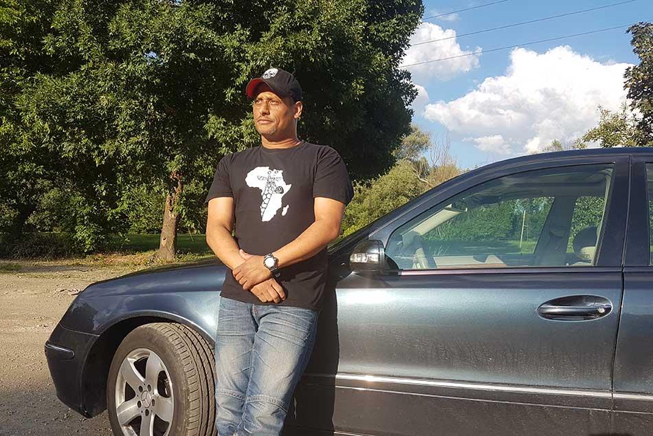 Abebe Dániel, vagy, ahogy az egész ország ismeri, Bebe a második albumán dolgozik, aminek az egyik fele funky, a másik rock…