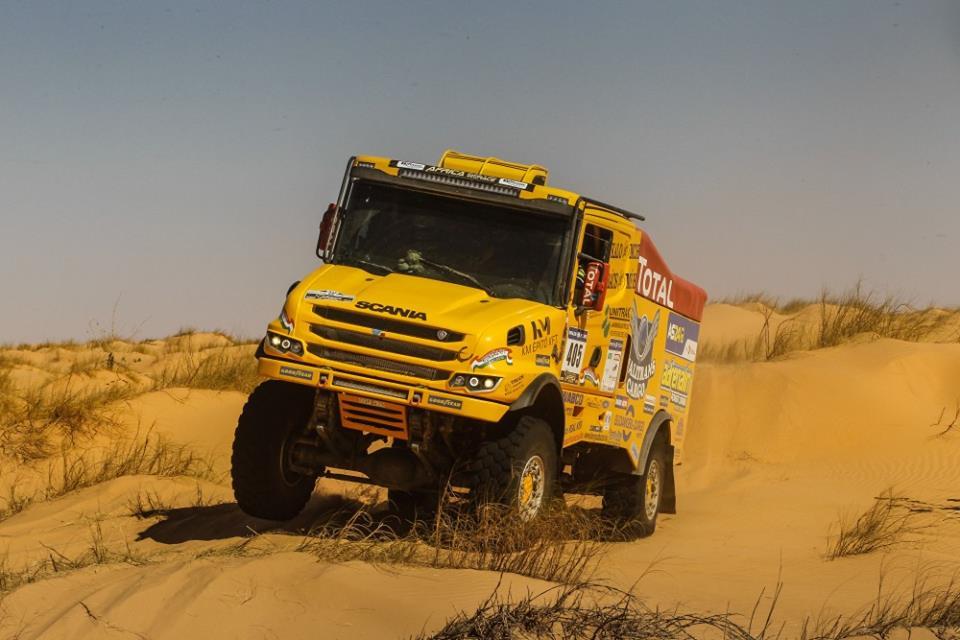 Qualisport Racing Kamionos csapat Dometic RTX2000 típusú inverteres állóklímával szerelte fel a világ legszélsőségesebb versenyein indított Scania Torpedo nehézteherautóját.