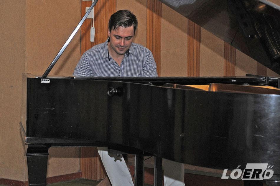 A 80. születésnapját ünneplő Rhoda Scott november 11-én a Budapest Arénában ad koncertet. Ezen meghívott vendégként fellép Káel Norbert triója is.