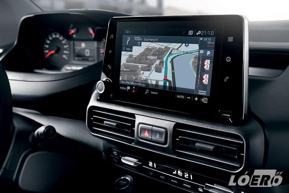 A paraktikus és szemrevaló új Peugeot Partner 2018-ra már sok személyautót is megszégyenítő vezetéstámogató rendszerrel lett felvértezve.