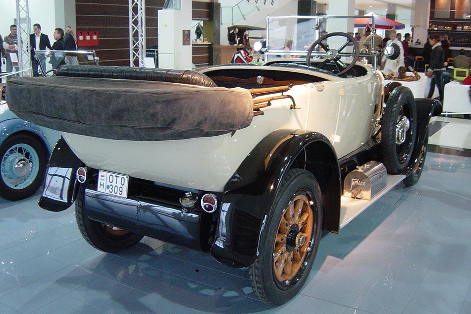 Az 1921 és 1924 közötti gyártott első kompresszoros Mercedes típusból körülbelül 150 példány látott napvilágot.