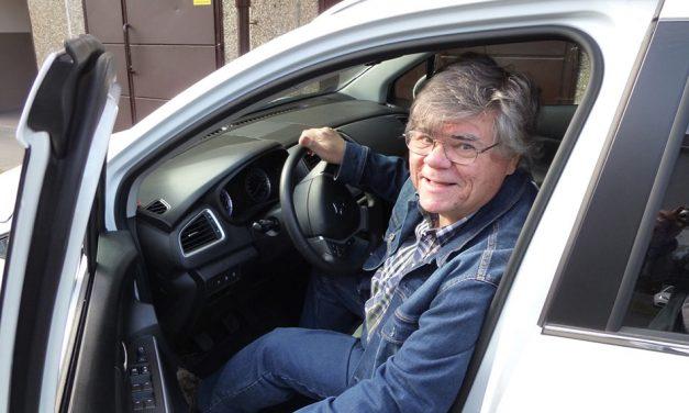 Éles István humorista – Nagy követési távolságot tartok