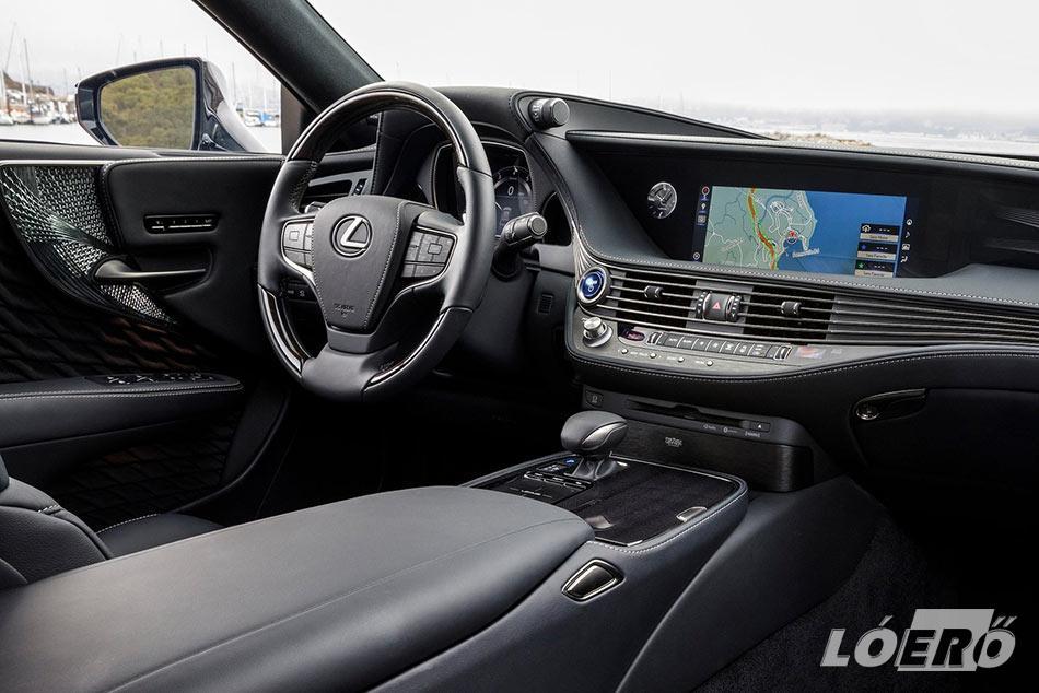 Az első osztályú kényelem minden szempontból adott volt a Lexus LS 500h teszt során nálunk járt modell esetében.