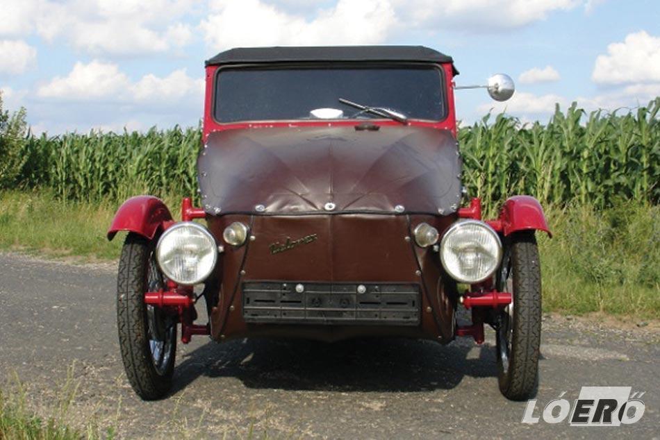 A Velorex autó és motorkerékpár is volt egyben, pontosabban ezek valamiféle leleményes elegye.
