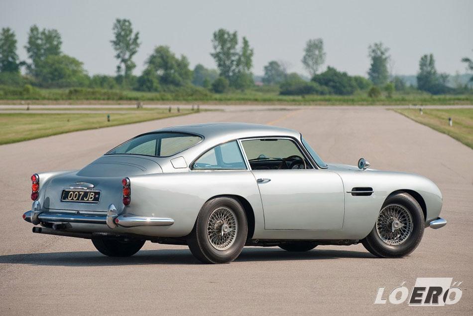 Az Aston Martin DB5 formája a mai napig meglágyítja szinte minden autós szívét.
