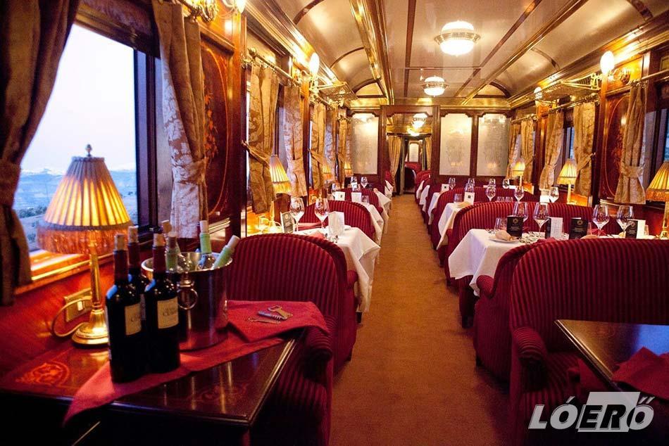 Az Orient Express ma már csak nosztalgiavonatként van forgalomban, de még mindig jól tükrözi az egykori fényűző kialakítást.