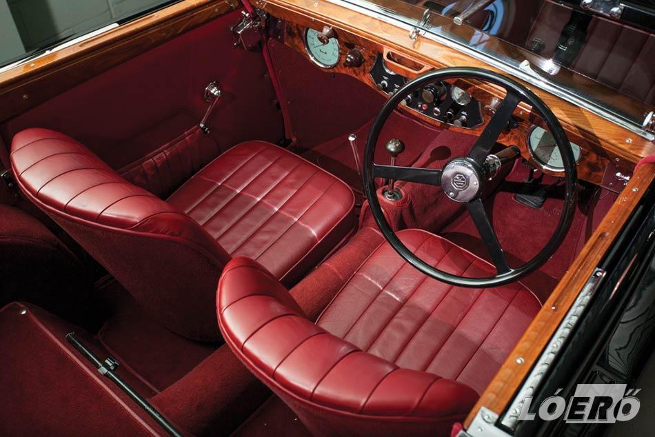 A kívül-belül sportos formák könnyű szerrel csábították el az MG cabrio lehetséges vásárlóit.