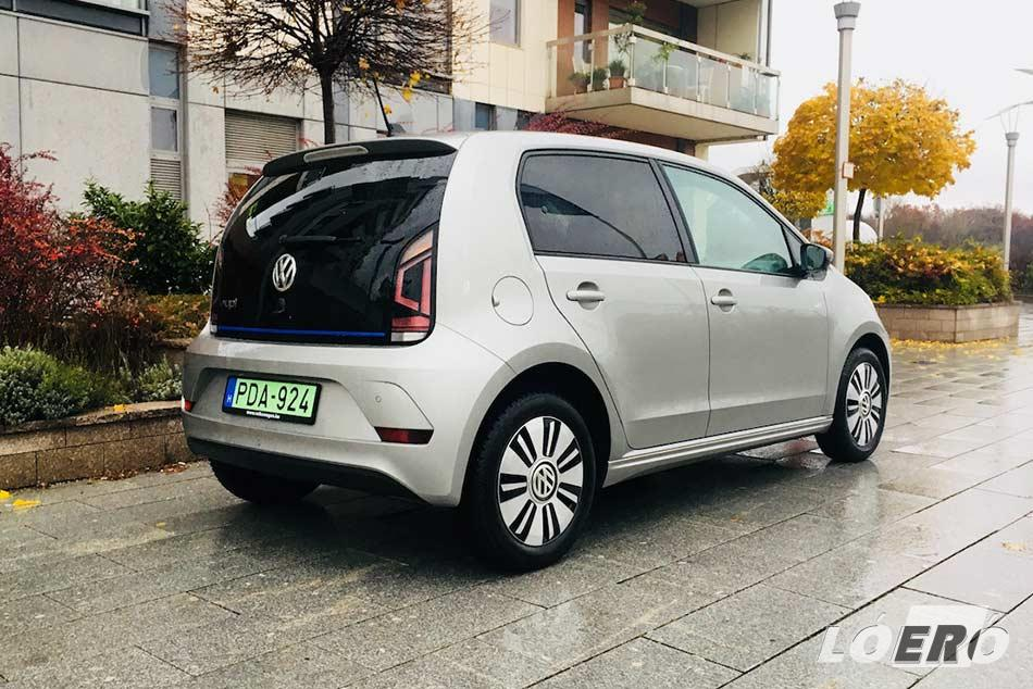 A formás kis Volkswagen e-Up legmókásabb extrája az e-sound nevű külsőzaj-generátor volt, ami persze hasznos, hiszen segít észre venni a gyalogosoknak az autó érkezését.