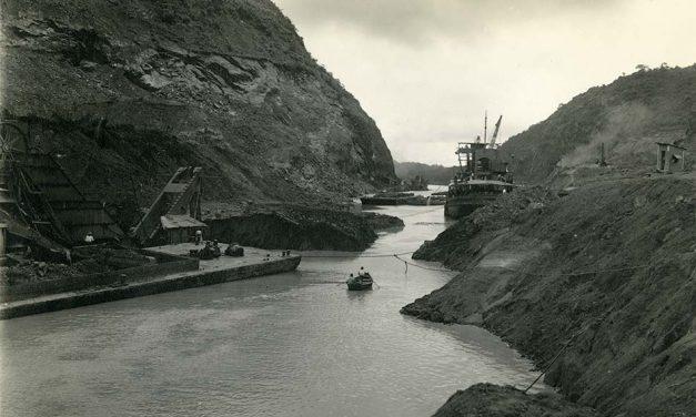 A Panama-csatorna építése