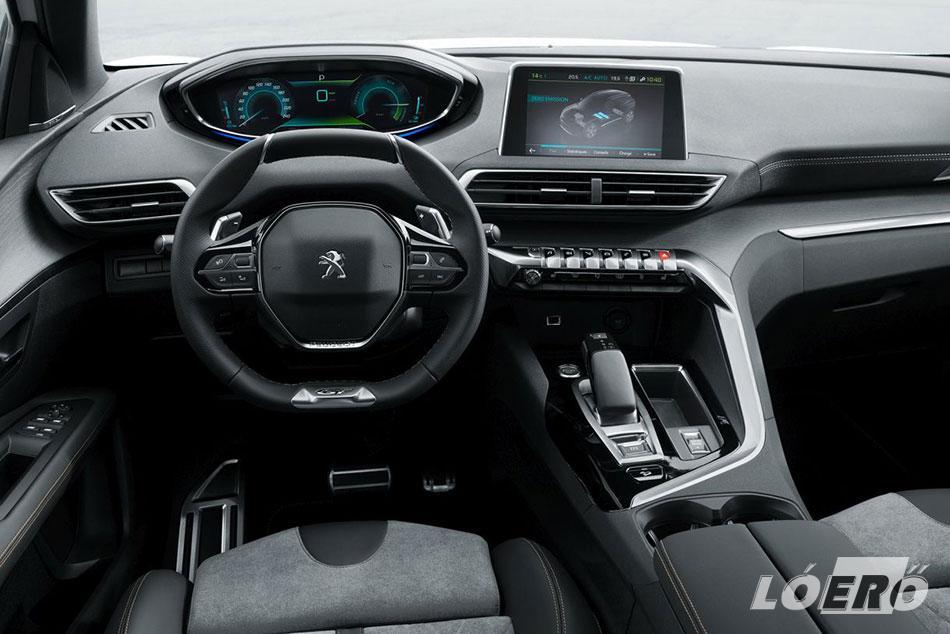 A belső tér a Peugeot 3008 hybridjének esetében is a jól megszokott vonalakat kapta.