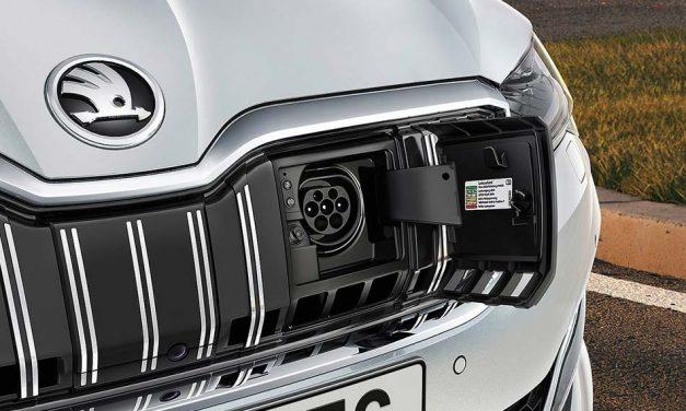 Jövőre érkezik a Superb iV, az első konnektoros Skoda