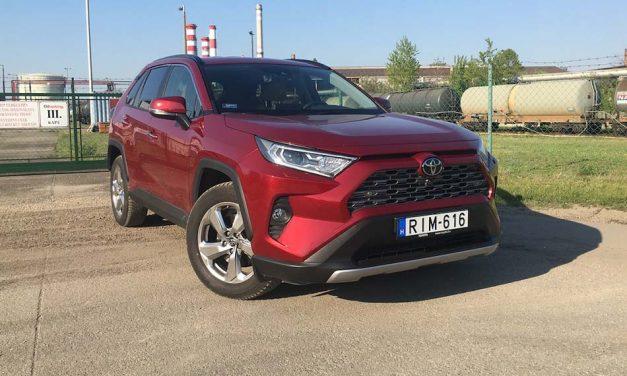 Benzinesben is ott van – Toyota RAV4 2.0 AWD teszt