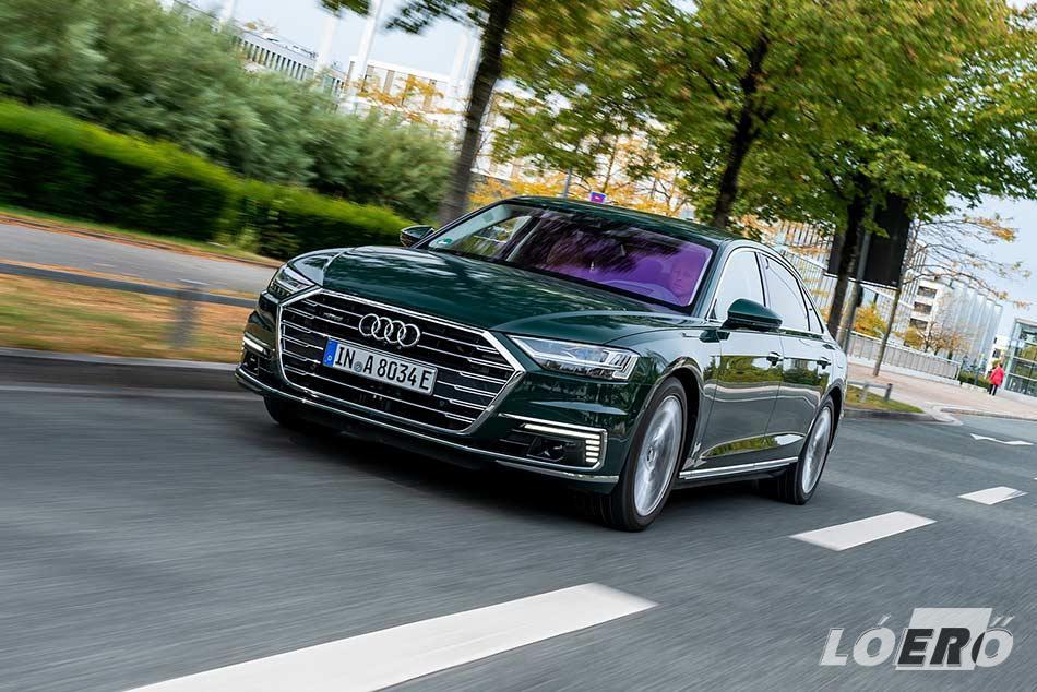 Az Audi A8 plug-in hybrid változatának induló ára mintegy 36 millió forint körüli összegre várható.