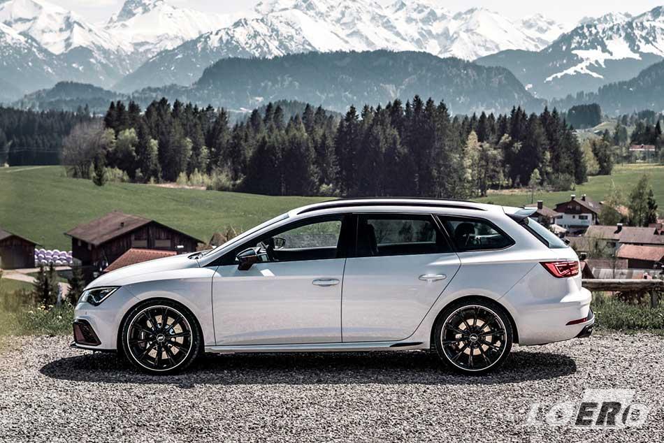Az átdolgozott Seat Leon kombi első ránézésre inkább látszik konzervatív családi autónak, mint egy felpörgetett vadállatnak.