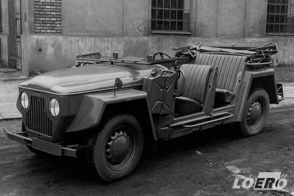 A már modernizált 1102-es terepjárónak tűnő változata itthon Skoda Kolonial néven vonult be egy időre a rendőrség és a katonaság kötelékébe.