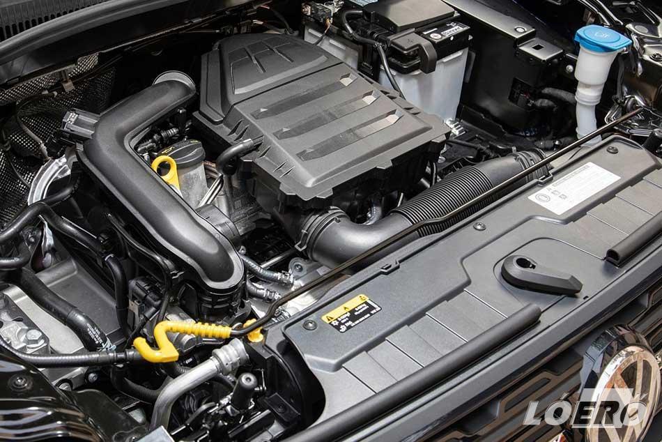 A VW T-Cross 1.0 TSI dinamikus kis motorja viszont kellemes meglepetés, egészen jól húz, csak az étvágya hagy némi kivetni valót.
